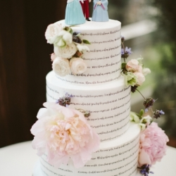 Fondant wedding cake with lyrics