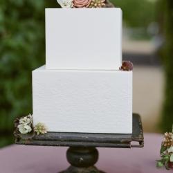 embossed cake