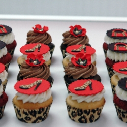 Fashion Cheetah Print Cupcakes