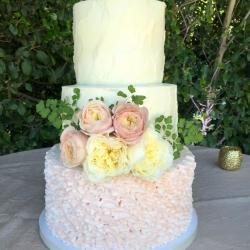 rustic ruffle wedding cake